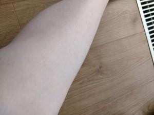 noha-pred-cukrovou-depiláciou-zhora
